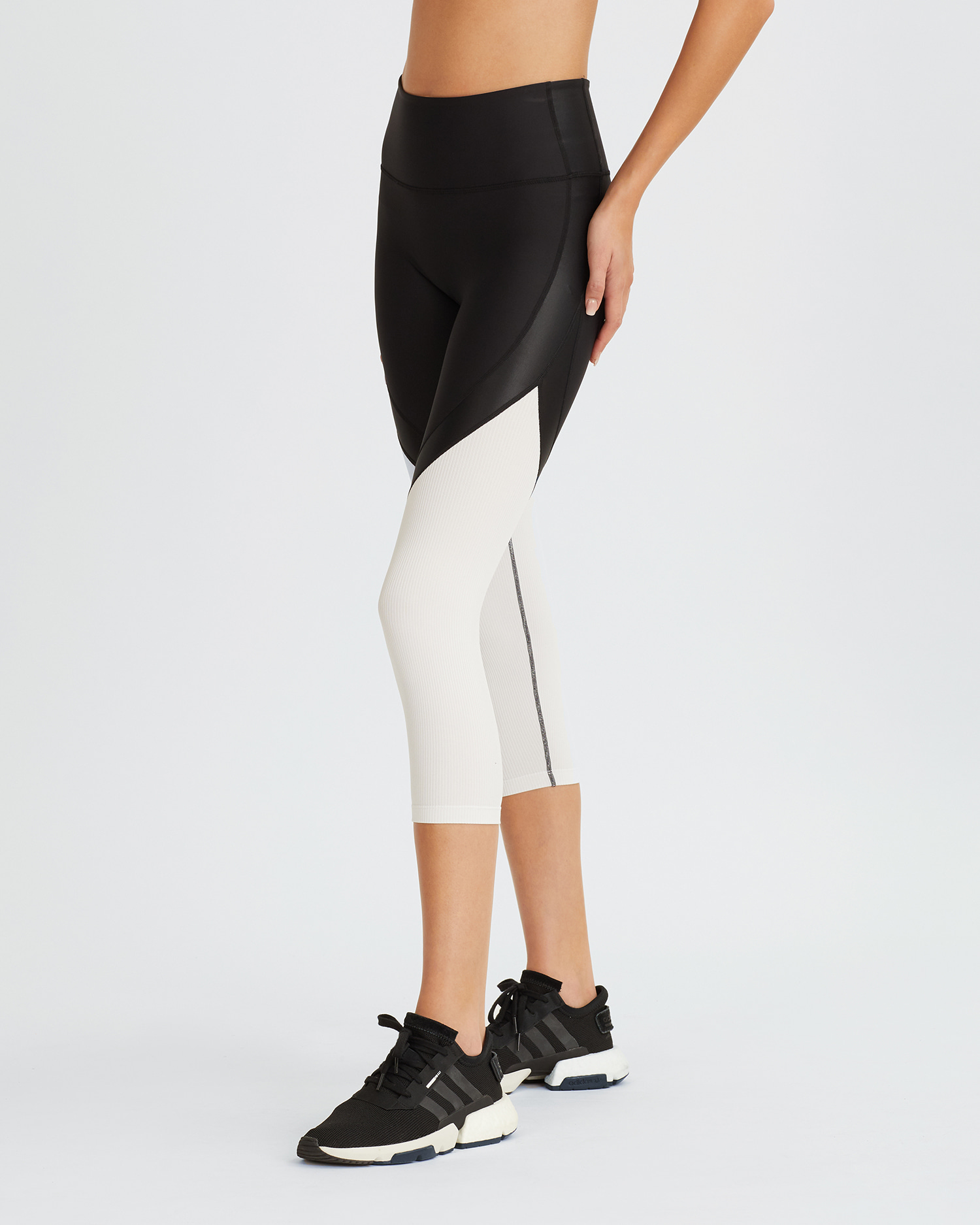 LUCILE LEGGINGS BLACK & WHITE COMBO